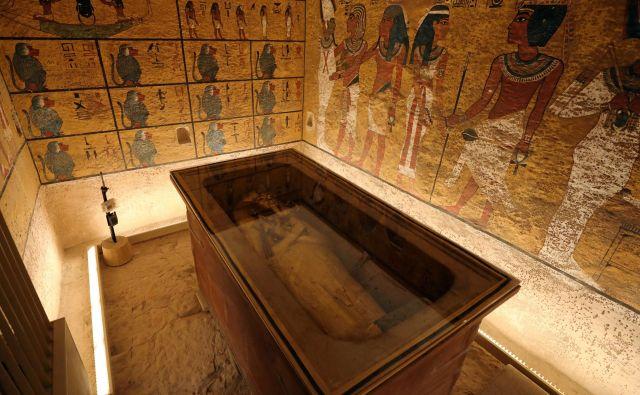 V grobnici so raziskali in očistili poslikave, vzpostavili nov prezračevalni sistem in uredili nove platforme za obiskovalce. FOTO: Mohamed Abd El Ghany/Reuters