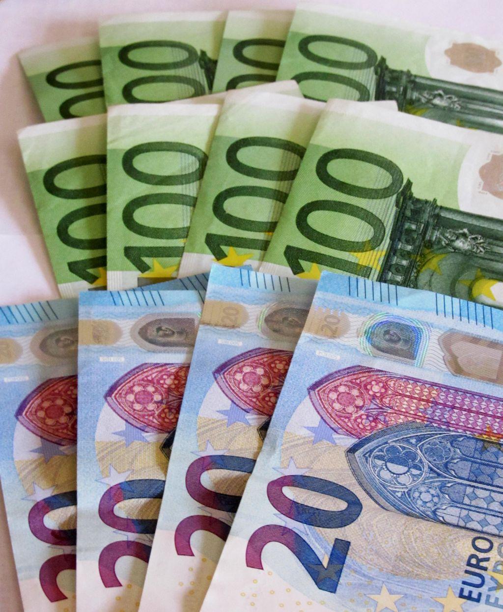 Vlada naj razmisli o paktu za plače
