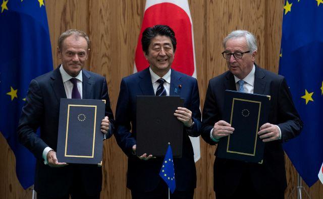 Sporazum o gospodarskem partnerstvu med EU in Japonsko, ki je začel veljati včeraj, je zaušnica protekcionizmu ameriškega predsednika Donalda Trumpa<strong>.</strong>Foto: Reuters