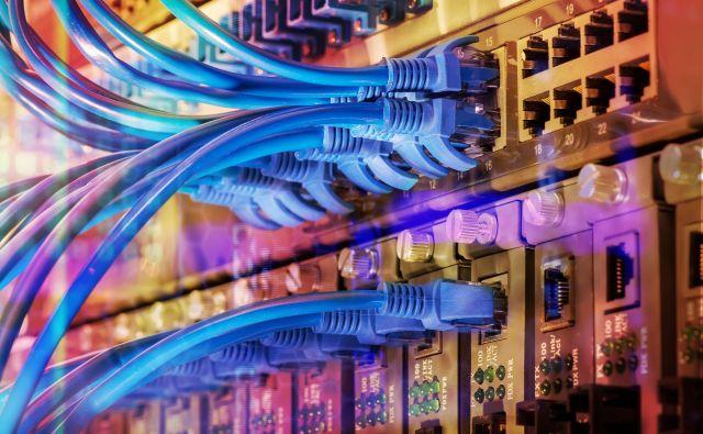 Pred 15 leti so za vsako storitev postavljali ločeno omrežje, danes eno za vse. FOTO Shutterstock