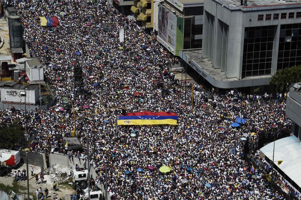 FOTO:»Chavizem je prevaral Venezuelce in levico«