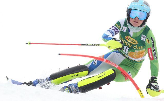 Meta Hrovat je petkovemu odličnemu veleslomskemu dosežku zaradi izjemno zahtevnih razmer na obeh progah dodala še boljšega slalomskega. FOTO: Tomi Lombar/Delo