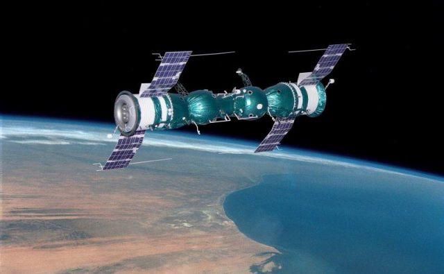 Med sprehodom je bilo kar nekaj težav, še več pa med vrnitvijo Sojuza 5 na Zemljo. FOTO: Lunokhod 2/Wikimedia