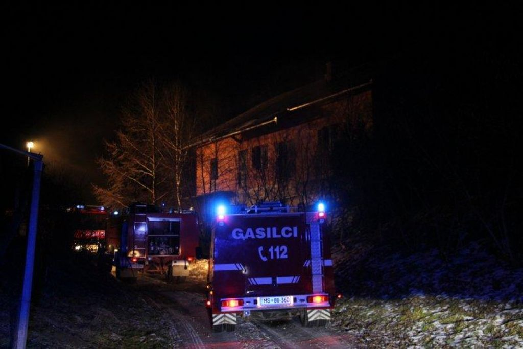 Požar v stanovanjski hiši najverjetnje zanetil stanovalec