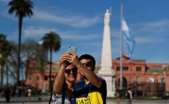 Predsedniška palača Casa Rosada v Buenos Airesu je ena od osrednjih turističnih zanimivosti. FOTO: Reuters