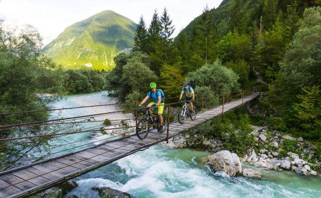 Kolesarska pot Trans Slovenija 1 predstavlja začetek dinarske poti. Pot od naše severozahodne tromeje do Obale je že pred dvema letoma obiskalo približno 2000 kolesarjev.Foto Uroš Švigelj