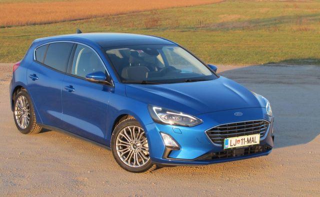 Ford focus je avtomobil, ki še naprej izstopa z dobrimi voznimi lastnostmi. Lahko ima veliko opreme, a tudi precej stane. Foto Blaž Kondža