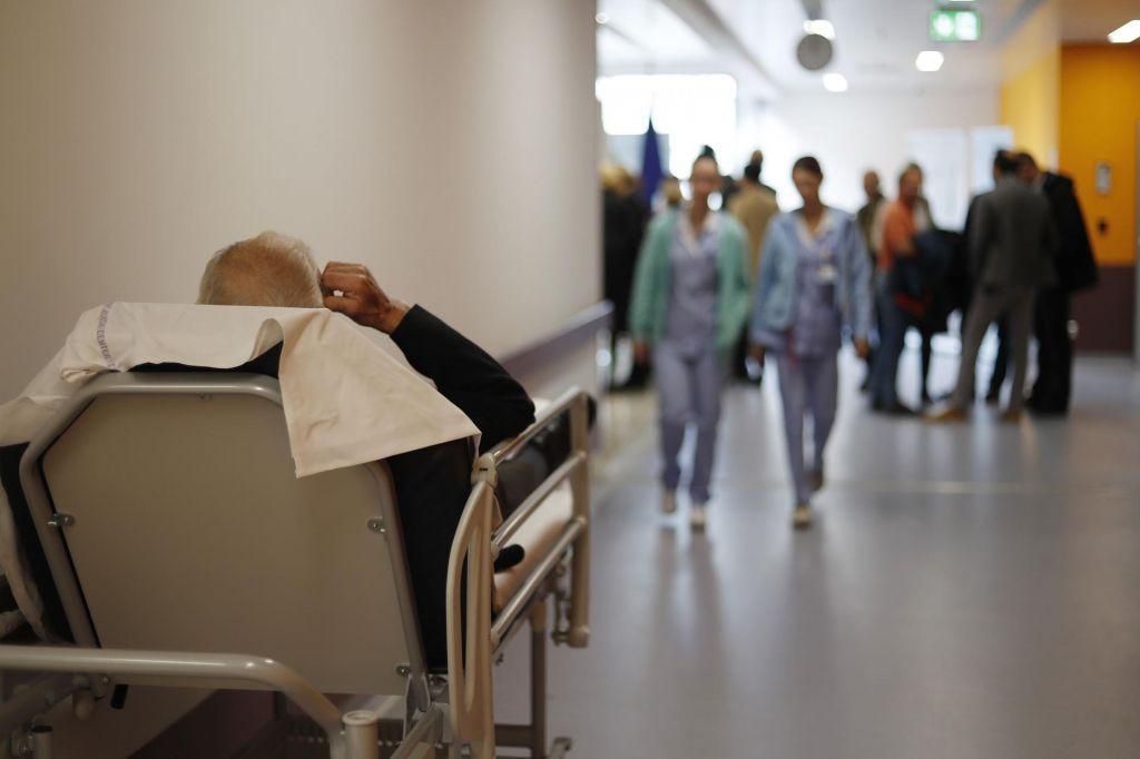 FOTO:Novi bolniki v Kranju in Celju nimajo več kam