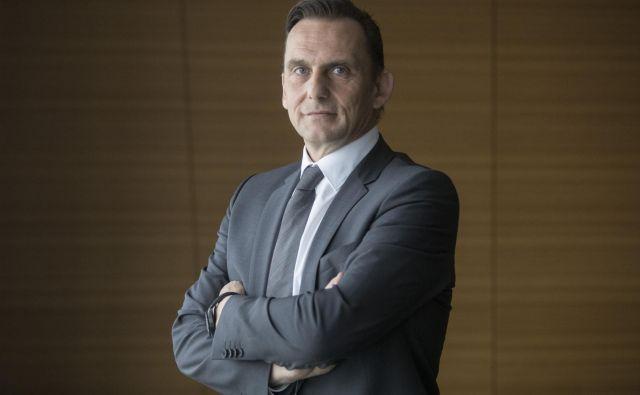 »Zdaj še ne bi govoril o recesiji, Slovenija ima še vedno zavidljivo predvideno gospodarsko rast prek treh odstotkov,« pravi Marjan Trobiš. FOTO Voranc Vogel