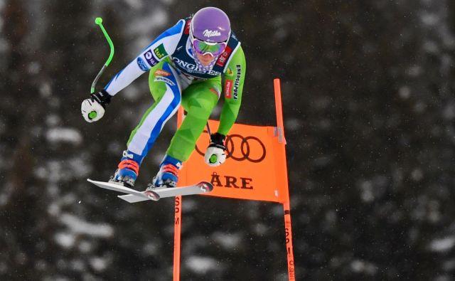 Ilka Štuhec je na kombinacijskem smuku potrdila konkurenčnost, za stotinko je zaostala za najhitrejšo Ramono Siebenhofer. FOTO: AFP