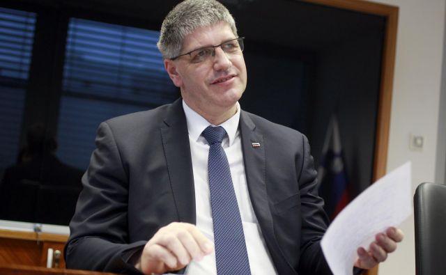 Boštjan Poklukar, minister za notranje zadeve vpon populistov v različnih državah komentira, daimajo pač različne države različne politike. Naša je takšna, kot je, v LMŠ zagotovo sredinska, poudarja.<br /> FOTO: Roman Šipić