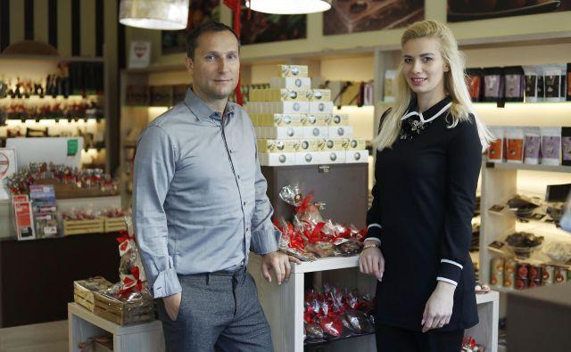 Luka in Anjeza Fojkar sta pred 15 leti iznašla sladke Prešernove kroglice. FOTO: Leon Vidic