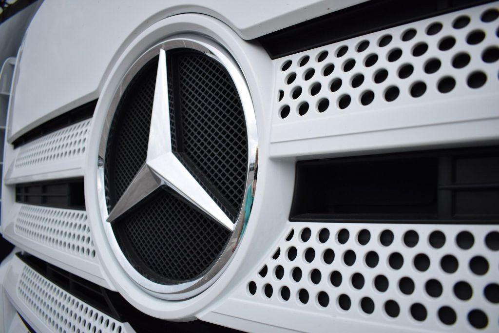 Trgovinska vojna klesti Daimlerjev dobiček