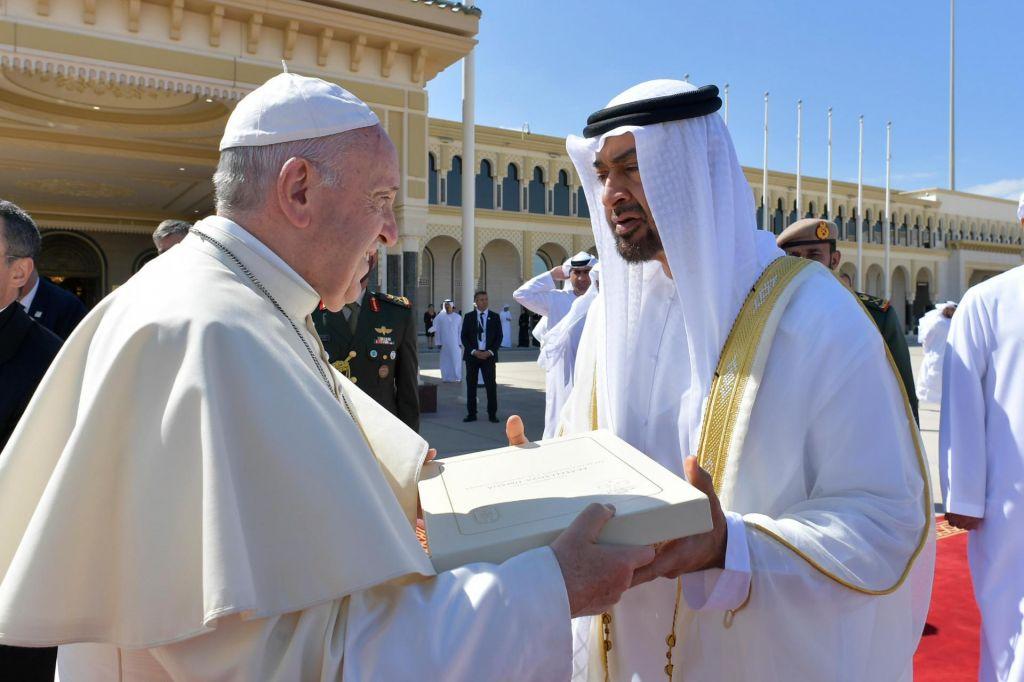 Papež potrdil spolne zlorabe redovnic in napovedal ukrepe