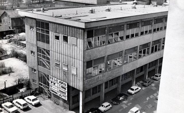 Delov dom tiska na Likozarjevi ulici za Bežigradom v Ljubljani je leta 1964 začelo graditi podjetje Tehnika.<br /> Fotodokumentacija Dela