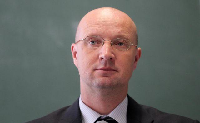 Vlada je Miheliča imenovala za direktorja agencije s polnim mandatom, pred tem je bil vršilec dolžnosti, julija 2016. Mandat bi se mu iztekel leta 2021. FOTO: Ljubo Vukelič