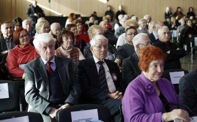 Upokojenski sindikat poudarja, da je po petih letih gospodarske rasti čas, da upokojenci dobijo nazaj tisto, kar jim je bilo odvzeto zaradi interventnih in reformnih ukrepov, zlasti zujfa. Foto Leon Vidic