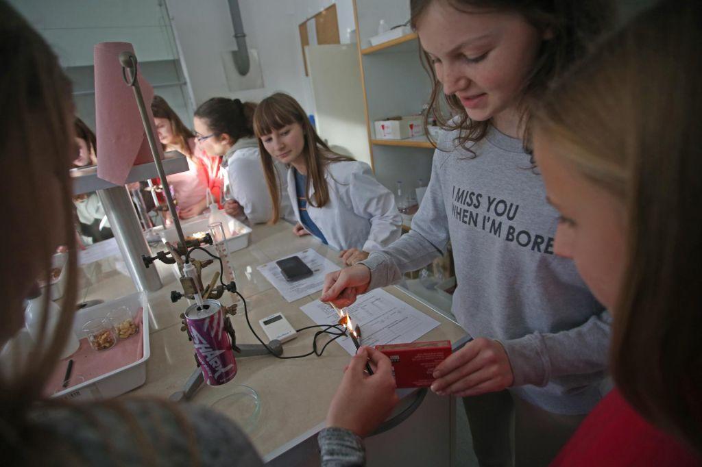 FOTO:Slovenske znanstvenice o prednostih in slabostih svojega poklica