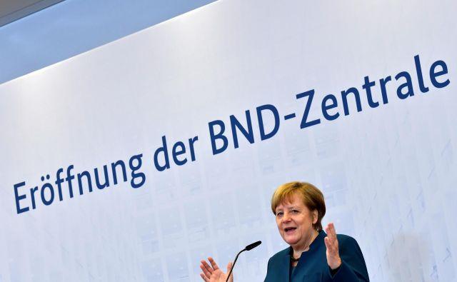 Kanclerka je ob slovesnem odprtju prostorov izrazila prepričanje, da Nemčija ob novih globalnih grožnjah bolj kot kadarkoli potrebuje močno in učinkovito obveščevalno službo. FOTO: John Macdougall/Afp