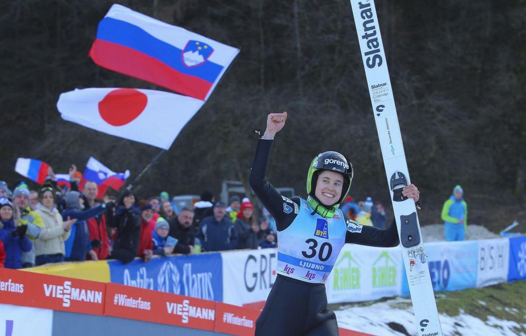 FOTO:Skoki na Ljubnem: Urša Bogataj prvič na stopničkah