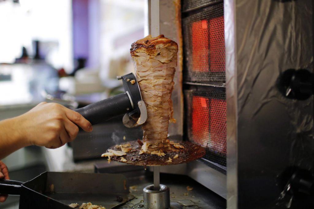 »Slovenski potrošnik bi moral dobiti informacije o vseh pregledih mesa, ne le, ko izbruhne afera«