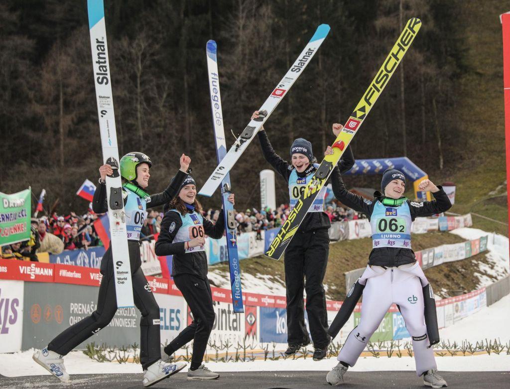 FOTO:Ekipna tekma skakalk na Ljubnem: Slovenke druge, zlato Nemkam