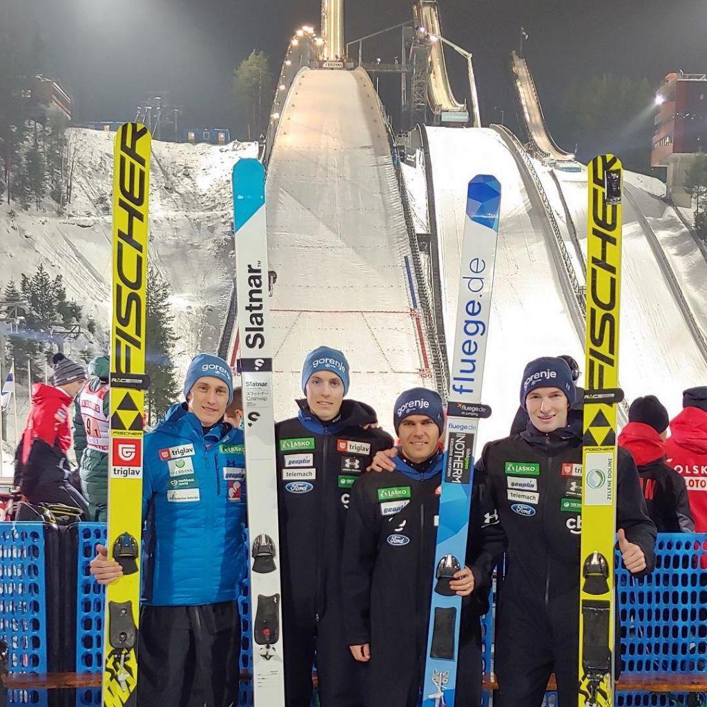 Ekipna tekma skakalcev v Lahtiju: Slovenski skakalci peti