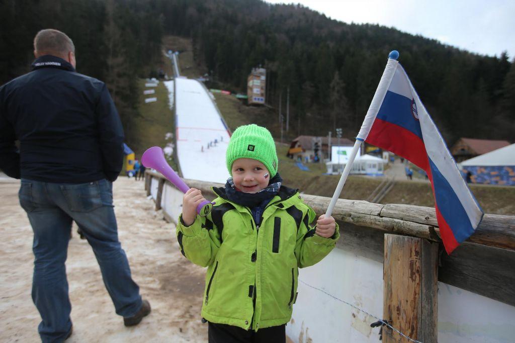 FOTO:Ženski skoki na Ljubnem: tretji dan, prvič brez slovenskih stopničk (V ŽIVO)*