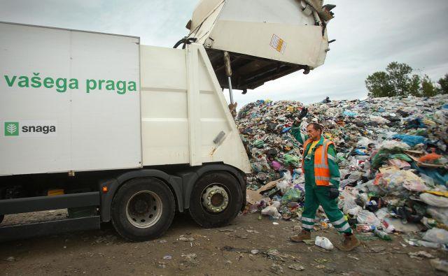 Delavci Snage so zaskrbljeni zaradi morebitne pripojitve družbe k javnemu podjetju Vo-Ka. FOTO: Jure Eržen/Delo