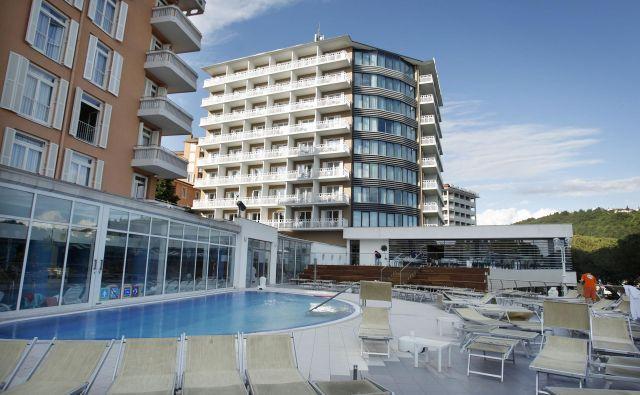 Možni kupci istrabenzovih hotelov končujejo skrbni pregled družbe. Foto Leon Vidic/Delo