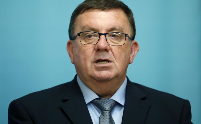 Minister za zdravje Samo Fakin je napovedal spremembo glavarinskih količnikov. Foto Matej Družnik