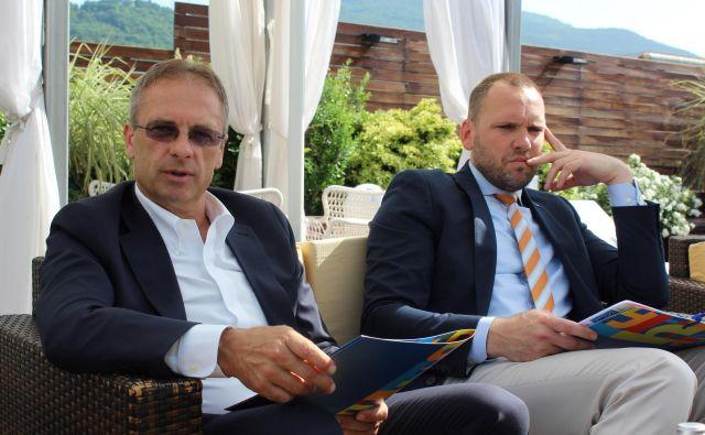 Nekdanja predsednik uprave Hita Janez Mlakar in član uprave Tevž Korent. FOTO: Blaž Močnik