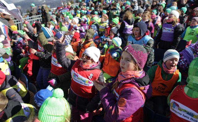 Zavarovalnica Triglav je v štirih desetletjih v dolino pod Poncami pripeljala skoraj sto tisoč otrok. Foto Voranc Vogel
