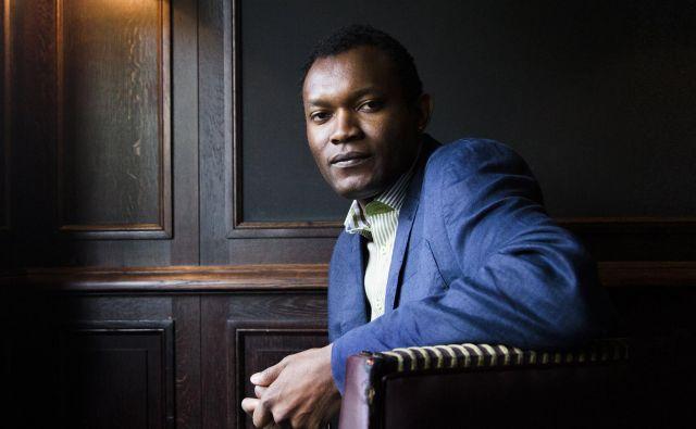 Književnost je le ena od ljubezni Fistona Mwanze Mujile, druga, nič manjša, je glasba.