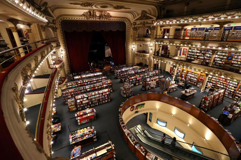 FOTO:Naključje je veličasten knjižničar
