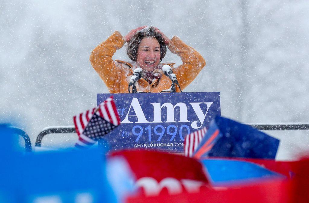 Donald Trump, Amy Klobuchar, podnebne spremembe in snežak