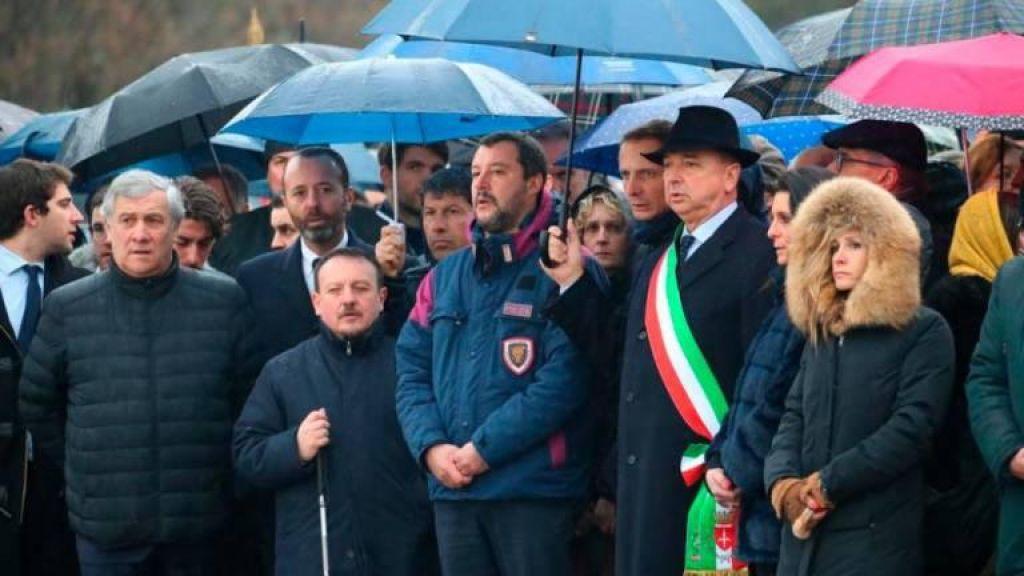 Slovenske puščice v Tajanija zaradi izjav o fojbah