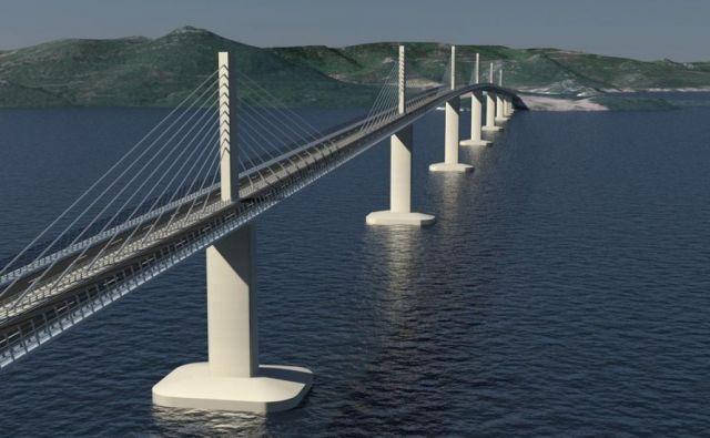 Gradbišče mostu na Pelješac – 526 milijonov evrov vreden projekt desetletja, gradijo kitajski izvajalci, 75 odstotkov denarja pa prihaja iz evropskega proračuna – je en od simbolov kitajskega vpliva na Balkanu. Foto Pipenbaher consulting