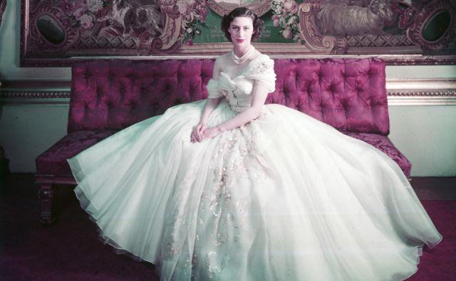 Princesa Margareta v rojstnodnevni obleki, ki se je zapisala v zgodovino. Foto Cecil Beaton, Arhiv Muzeja V & A