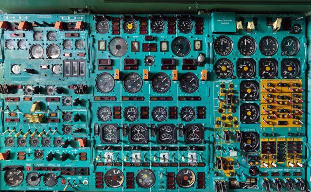 Obkroženi smo z vse več zapletenimi tehnološkimi napravami, ki potrebujejo prijazne vmesnike. FOTO: Shutterstock