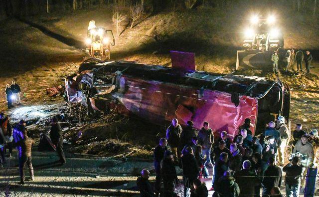 Na avtobusu je bilo okoli 50 potnikov. FOTO: AFP