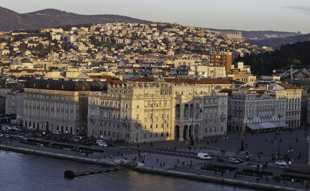 Cene nepremičnin v Trstu so se po krizi znižale za 30 odstotkov. FOTO: Jože Suhadolnik/Delo