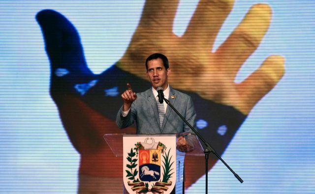 Kdo je sploh priznal Guaidója? Eksplicitno so ga priznale ZDA in še približno ducat neevropskih držav. S priznanjem so te države kršile mednarodno pravo. Evropske države so večinoma veliko bolj previdne. FOTO: AFP
