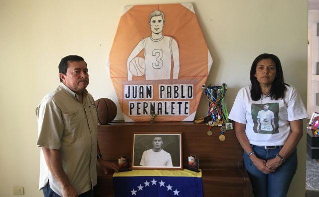 Elvira in José Gregorio Pernalete imata samo še en smisel življenja – najti sinovega morilca. FOTO: Gašper Završnik