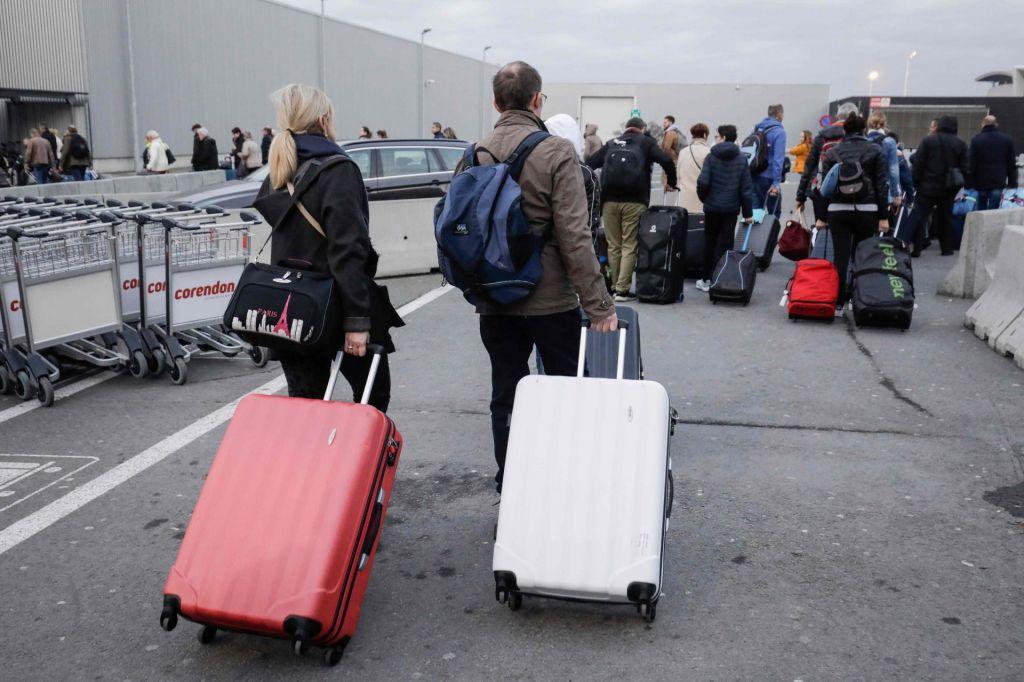 Zaradi stavke bruseljsko letališče z najmanj desetimi milijoni evrov izgube, prizadetih 16.000 potnikov