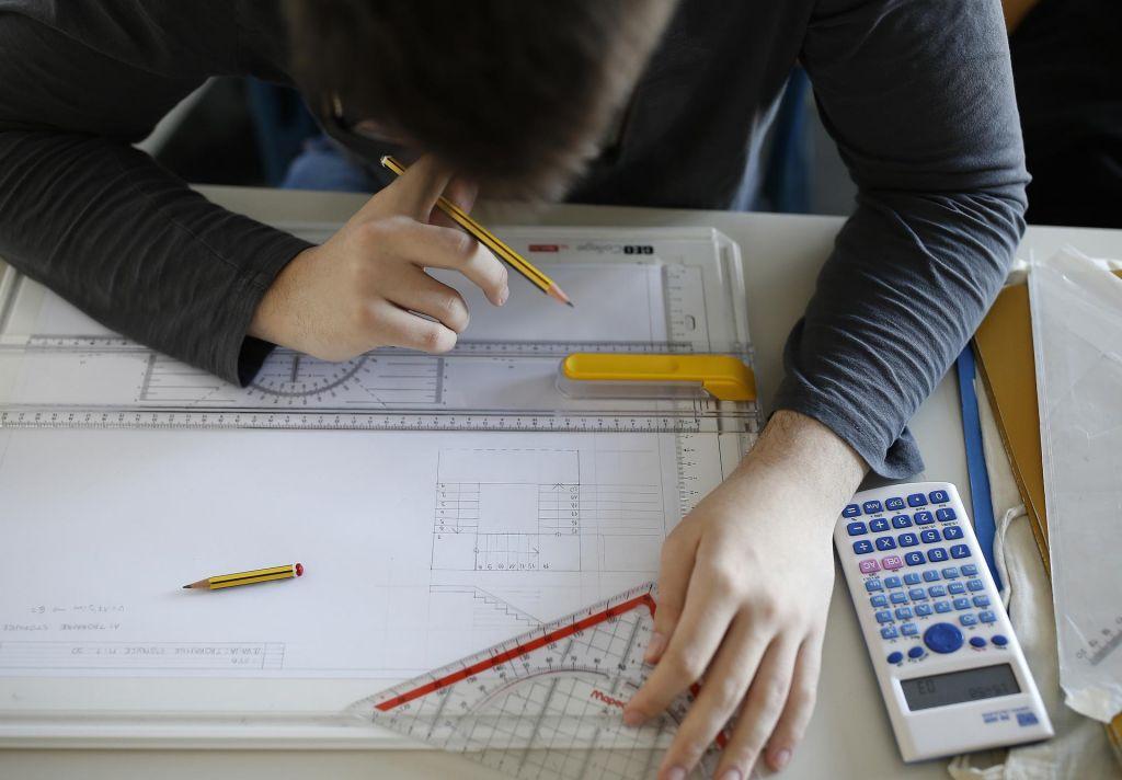 FOTO:Kaj porečete na šolo, kjer pišeš tri, dobiš pet?