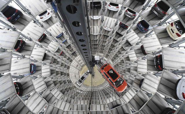 Nemška industrija bo moral najti nove poslovne modele za rast in tekmo z ZDA in Kitajsko.FOTO Reuters