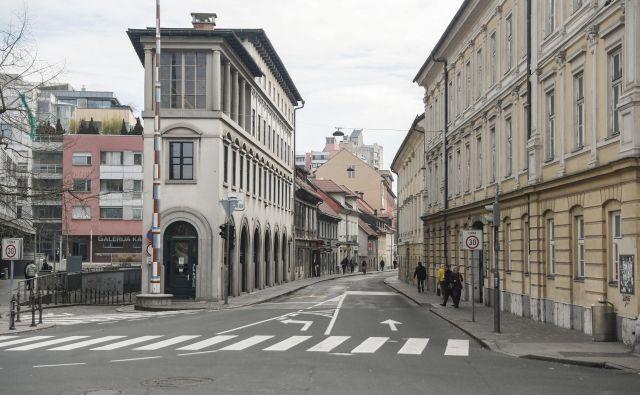 Zdajšna podoba Poljanske ceste je klavrna in tudi za turiste precej nezanimiva. Foto Uroš Hočevar