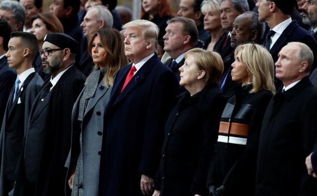 Lanska počastitev stoletnice konca prve svetovne vojne je pritegnila v Pariz tako Donalda Trumpa kot Vladimirja Putina. Nepredvidljiva voditelja ZDA in Rusije sta med glavnimi vzroki za to, da je liberalna ureditev sveta v krizi. Foto Reuters