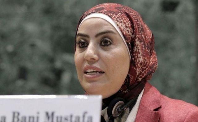 Wafa Bani Mustafa, jordanska pravnica in ena od zgolj 20 žensk v sicer 120-članskem predstavniškem domu jordanskega parlamenta. Fotodokumentacija Dela